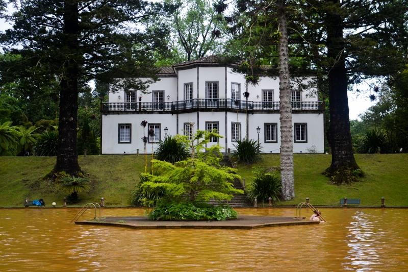 Terra Nostra Thermal Water Pool